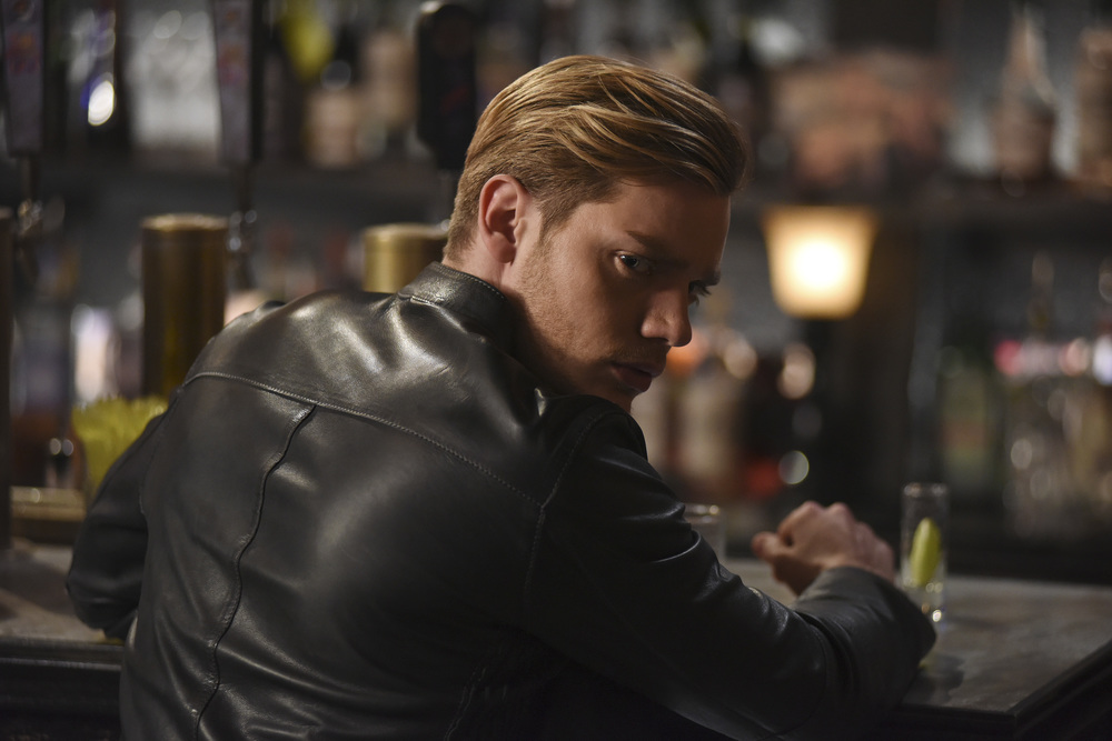 "Shadowhunters Thoughts and Highlights from 2×13: ""Those Of Demon Blood"""